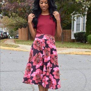 Magenta floral skirt size med 🌺